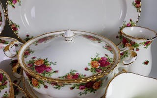 Royal Albert -Old country roses porcelánok